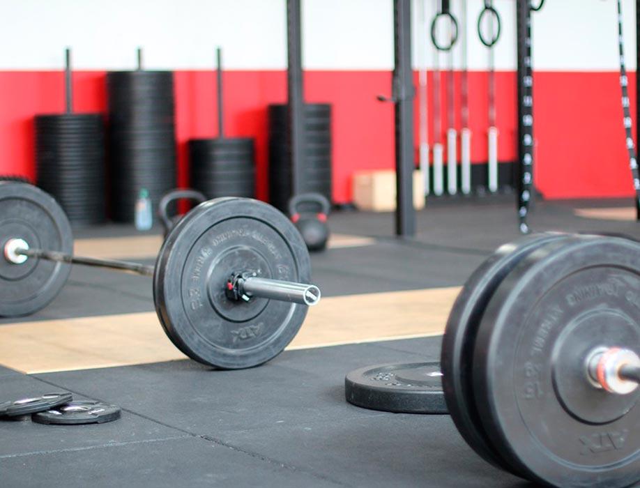 Suelos de gimnasios para levantamiento de pesas