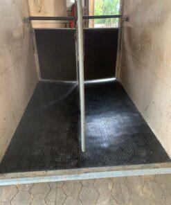 Pavimento van caballos por metro lineal